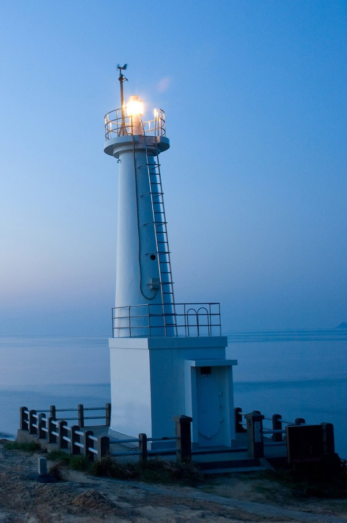 cropped-lighthouse-wallpaperstrio5.jpg